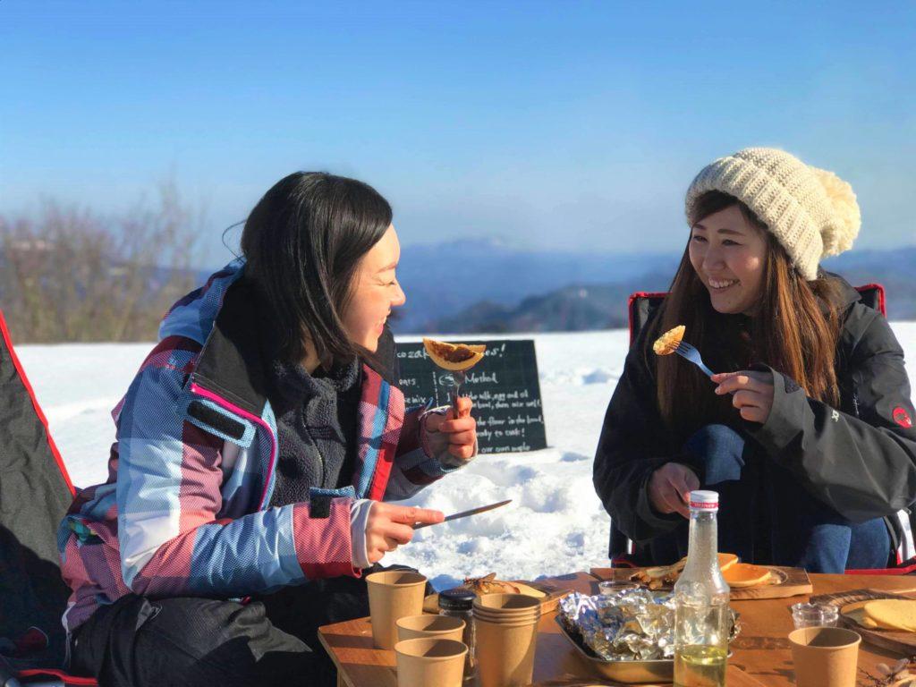 メープルシロップ狩り & 雪上デイキャンプで米粉パンケーキ